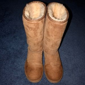 Authentic Classic Tall Chestnut UGGs size 5